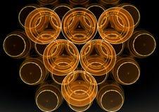 Положение абстрактных пластичных чашек плоское с черной желтой палитрой отрицательно Стоковое фото RF