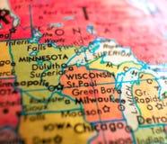 Положение Висконсина США изолировало съемку макроса фокуса на карте глобуса для блогов перемещения, социальных средств массовой и Стоковое фото RF