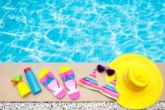 Положение квартиры деталей бассейна и пляжа каникула территории лета katya krasnodar стоковое фото rf
