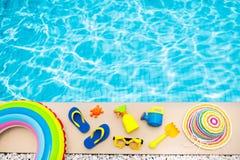 Положение квартиры деталей бассейна и пляжа каникула территории лета katya krasnodar стоковые фото