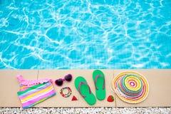 Положение квартиры деталей бассейна и пляжа каникула территории лета katya krasnodar стоковое фото