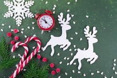 Положение рождества или Нового Года плоское с деревянной диаграммой оленей Стоковое Изображение