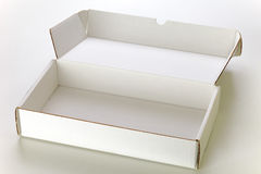 положите белизну в коробку картона Стоковая Фотография RF