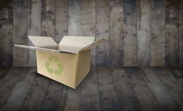 положите коричневый картон в коробку пустой Стоковое Фото