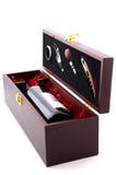 положите красное вино в коробку Стоковое Фото
