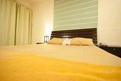 положите нутряную комнату в постель Стоковые Фотографии RF