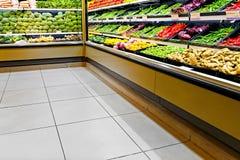 положите овощ на полку Стоковая Фотография RF