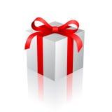 положите подарок в коробку Стоковое фото RF