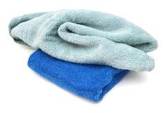 Полотенца ванны на белой предпосылке Стоковые Фотографии RF