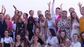 Полтава, Украина - июнь 2018: Фото группы красивых женщин сток-видео