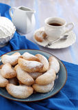 Полумесяцы ваниль и печенья миндалины Стоковые Изображения
