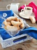 Полумесяцы ваниль и печенья миндалины Стоковое фото RF