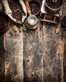 польза кофе предпосылки готовая кофе фасолей свежий Стоковые Изображения