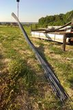Польза штуцеров завальцовки металла в конструкции домов стоковое фото