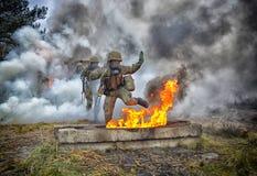 Польский солдат во время тренировки на учебном полигоне Стоковое Фото