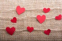 Полюбите концепцию с значками сформированными сердцем на потоках стоковая фотография rf