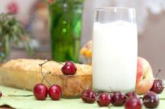 помадка расстегая коттеджа вишни сыра Стоковое Изображение RF