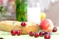 помадка расстегая коттеджа вишни сыра Стоковая Фотография RF