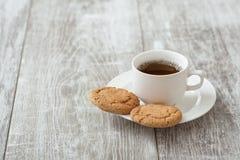 помадка чашки круасанта кофе пролома предпосылки Кофе с закуской Стоковые Фото