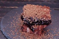 помадка чашки круасанта кофе пролома предпосылки Торт кофе на праве Место для текста на левой стороне Стоковая Фотография