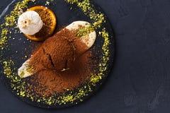 Помадка шоколада с anglaise creme и мороженым ванили Стоковое Изображение RF