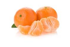 помеец плодоовощ отрезает белизну tangerine Стоковые Изображения