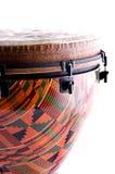 помеец djembe изолированный барабанчиком Стоковое Фото