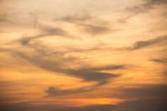Померанцовое небо захода солнца Стоковые Фотографии RF