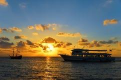 Померанцовый и голубой восход солнца Стоковые Изображения RF