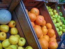 Померанцы и яблоки Стоковая Фотография