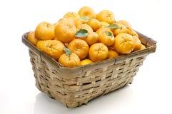 померанцы мандарина корзины Стоковые Изображения
