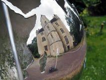 Поместье в стальном глобусе стоковое изображение