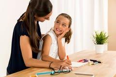 помогая домашняя работа Стоковое Изображение RF