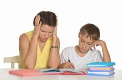 Помогая делая домашняя работа Стоковое Изображение RF