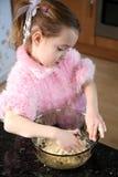 помогая кухня Стоковые Изображения
