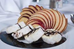 Помойте губкоть десерт крена в ресторане carte la Стоковое Фото
