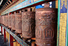 Помолите катит внутри Тибет стоковое фото rf
