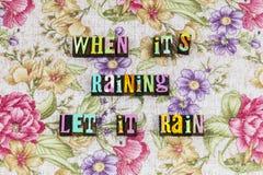 Помощь улыбки солнечности дождя счастливая стоковые изображения rf