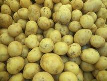 Помытые новые картошки урожая стоковое фото rf