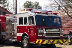 Понадейтесь тележка Aparatus отделения пожарной охраны мельниц, Северная Каролина, США 7-ое апреля 2018 стоковые изображения