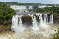 понижается iguazu Естественный интерес мира Величественная красота водопады стоковые фотографии rf