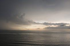 Понижающ небо позже стоковые фотографии rf