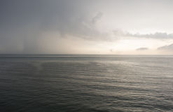 Понижающ небо позже стоковое фото rf