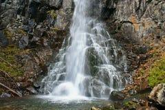 Понижаясь падения воды Стоковые Фотографии RF