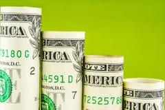 Понижаясь шаги сделанные банкнот одного американских доллара Стоковые Изображения RF