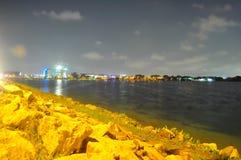 Понизьте резервуар Seletar с утесами на своем крае Стоковое фото RF