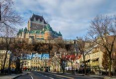 Понизьте старый городок Basse-Ville и замок Frontenac - Квебек (город), Квебек, Канаду Стоковые Изображения RF