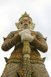 Попечитель демона на Wat Phra Kaew, Будде, Бангкоке, Таиланде стоковые изображения