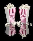 Попкорн кино в красных и белых контейнерах Стоковые Изображения RF