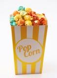 Попкорн покрашенный конфетой стоковое фото rf